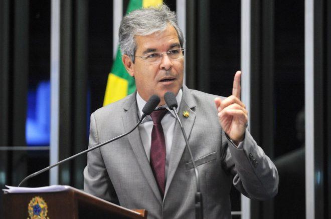 MATÉRIA-2-Jorge-Viana-destacou-que-esta-semana-foi-muito-ruim-para-o-Congresso-Nacional-Foto-de-Jefferson-Rudy-da-Agência-Senado