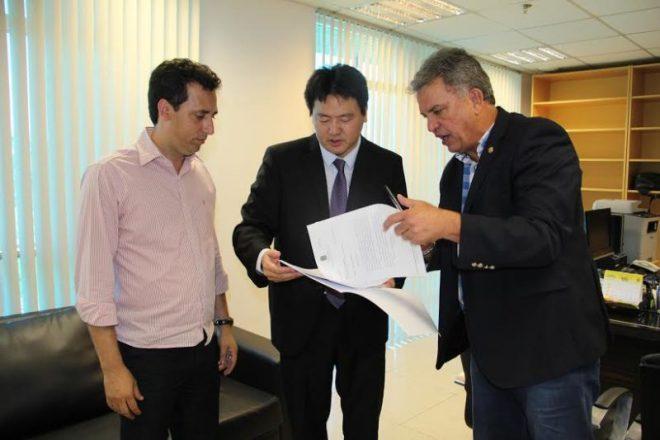 Petecão protocola pedido de investigação do esquema na PF