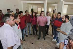 Tião Viana e sua equipe de governo visitaram os principais setores da unidade, que tem mais de 12 mil metros quadrados no mês de abril passado (Foto: Gleilson Miranda/Secom)