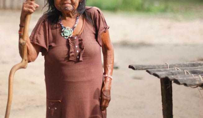 idosa_indigena