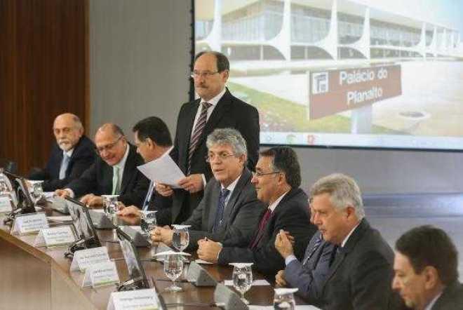Governadores se reúnem com o presidente Michel Temer, no Palácio do Planalto Valter Campanato/Agência Brasil