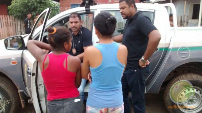 Delegado Cristiano Bastos e o investigador Eurico Feitosa buscam informações para desvendar o possível crime em Xapuri.