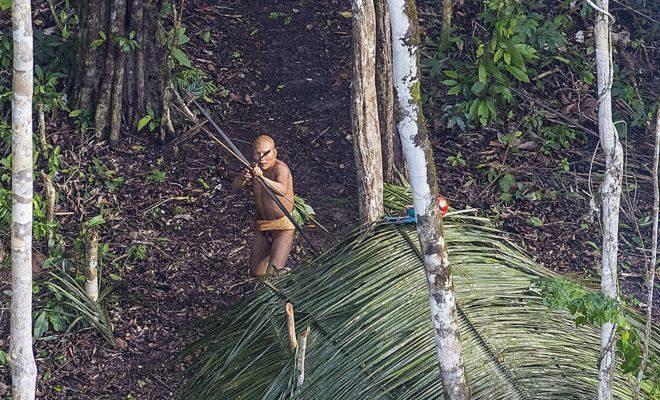 Guerreiros da tribo prontos para defender a aldeia /Foto: Ricardo Stuckert