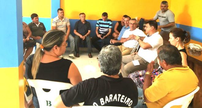 O prefeito eleito de Assis Brasil, Zum, o atual prefeito, Zé do Posto, e lideranças do município receberam Bittar para conversar sobre unidade nas eleições 2018/Foto: Wania Pinheiro/ContilNet