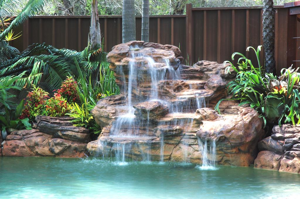 chutes pour piscines oasis deco