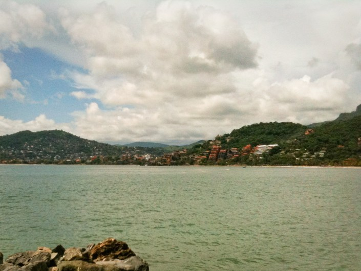 Zihuatanejo and Zihua bay from Las Gatas
