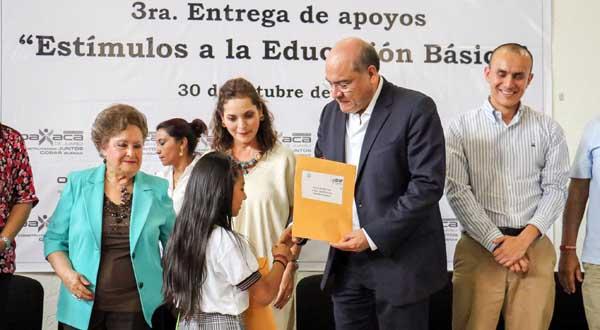 Respalda Ayuntamiento a la niñez de escasos recursos para que concluya su educación primaria