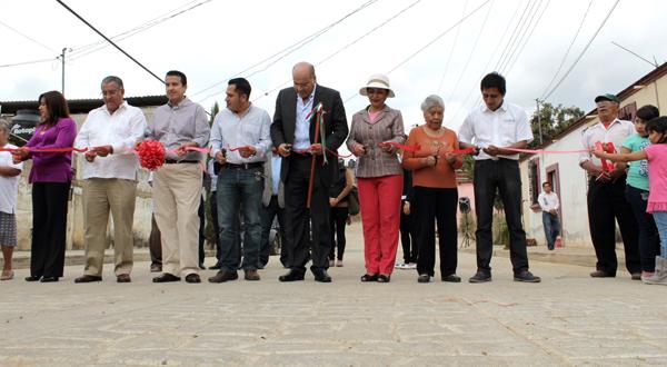 Gobierno municipalinaugura pavimentación en Pueblo Nuevo