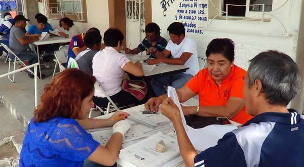 Urge trabajar con mayor énfasis para acabar con el analfabetismo en Salina Cruz