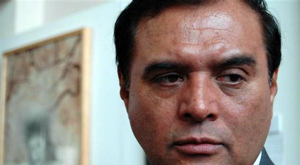 Al michoacano Benjamín Robles, le sigue lloviendo en plena sequía.- Alberto Unda