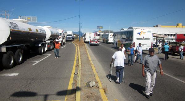 camiones parados