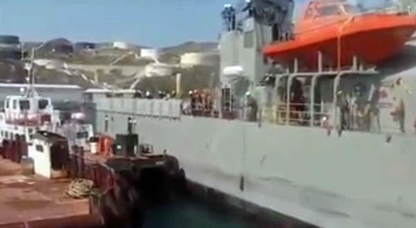 Colisiona buque de la Armada con lanchas petroleros, no hubo daños