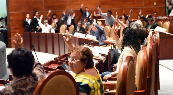 Buscan Diputados garantizar empleo formal a las y los egresados oaxaqueños