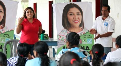 Refrenda Adriana Atristain compromiso con San Francisco Cahuacua