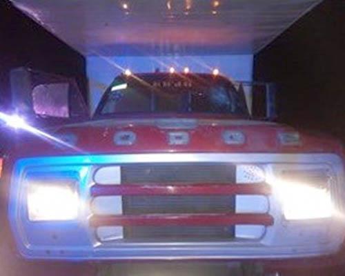 Intentan atracar camión de mudanzas en la Mixteca; una mujer fue herida