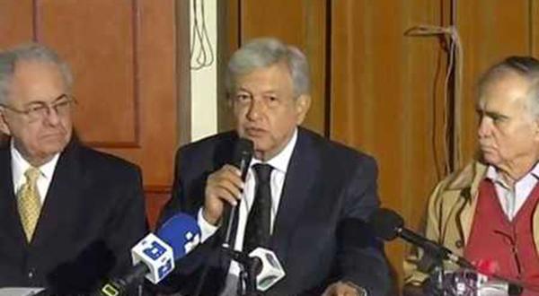 Consultas de AMLO: ir 'por la libre' en su aplicación, un riesgo para la credibilidad de la democracia en México