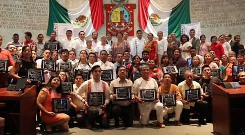 Reciben reconocimiento de la LXIV Legislatura mujeres y hombres que han destacado en la revitalización y fortalecimiento de las lenguas originarias