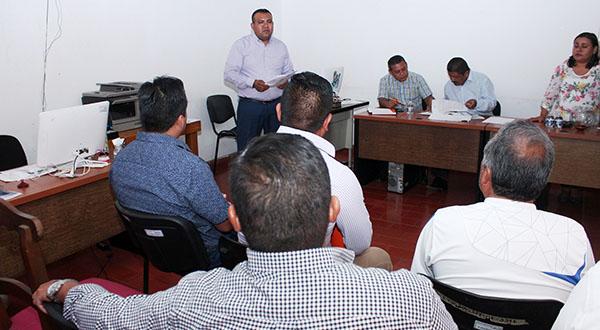 Avanza proceso para elección de agentes municipales; Ayuntamiento capitalino sortea colores de planillas