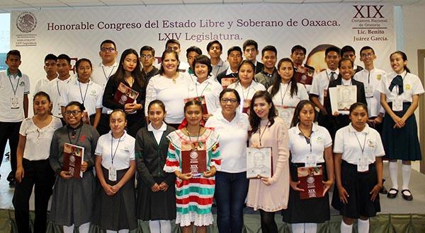 Niñez y juventud oaxaqueña se imponen en Certamen de Oratoria