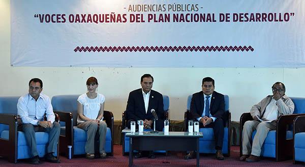 Convocan legisladores a enriquecer con propuestas el PND
