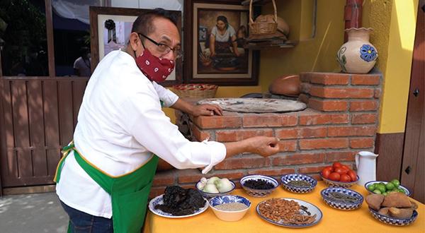 Divulga Ayuntamiento de Oaxaca riqueza gastronómica con motivo de Día de Muertos
