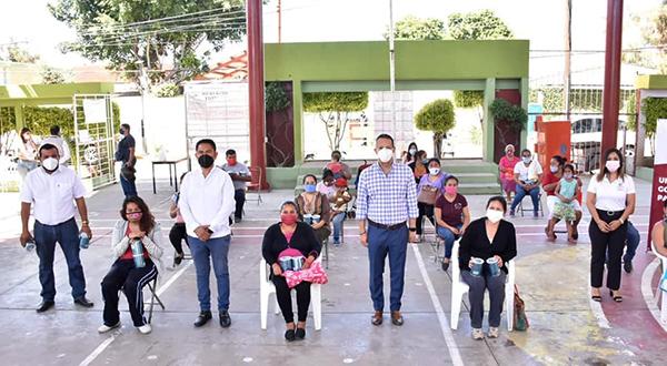 Lleva Ayuntamiento de Oaxaca apoyo alimentario a la niñez de la agencia Dolores