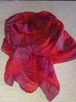 nebo je hezčí tento šátek