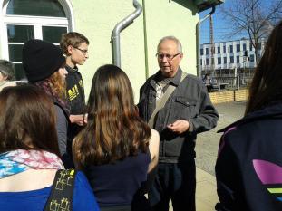 Herr Gärtner erklärt das GPS