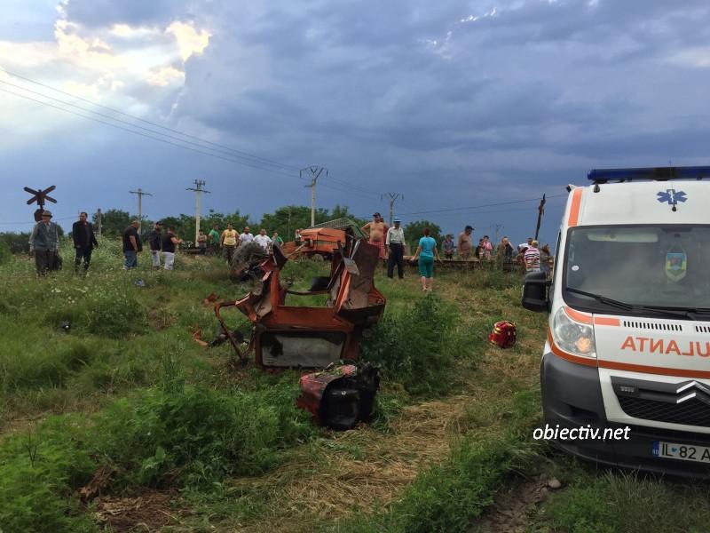 Accident feroviar: Tractor lovit de tren în Ialomița