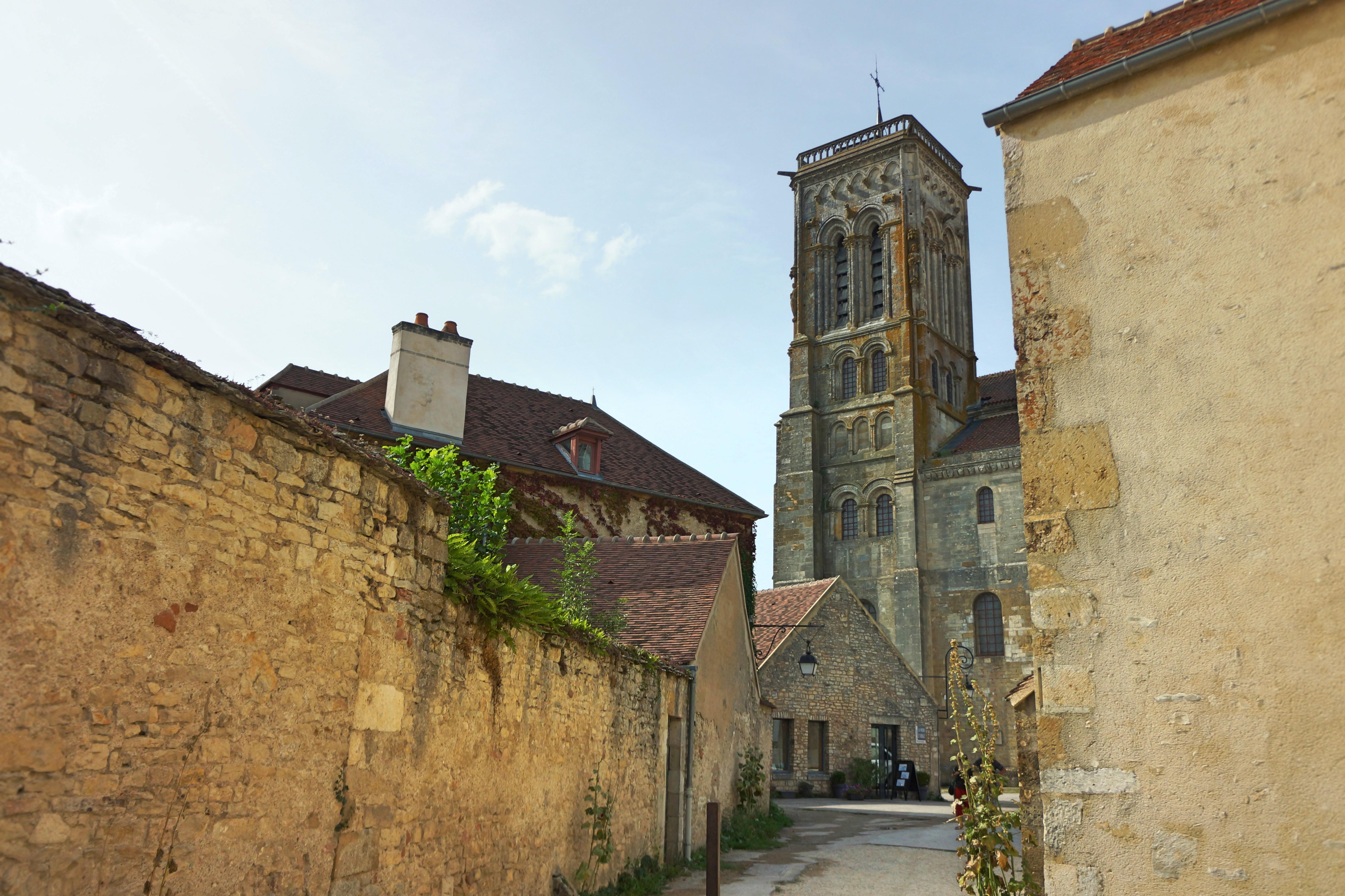 burgundia francja zwiedzanie atrakcje vezelay