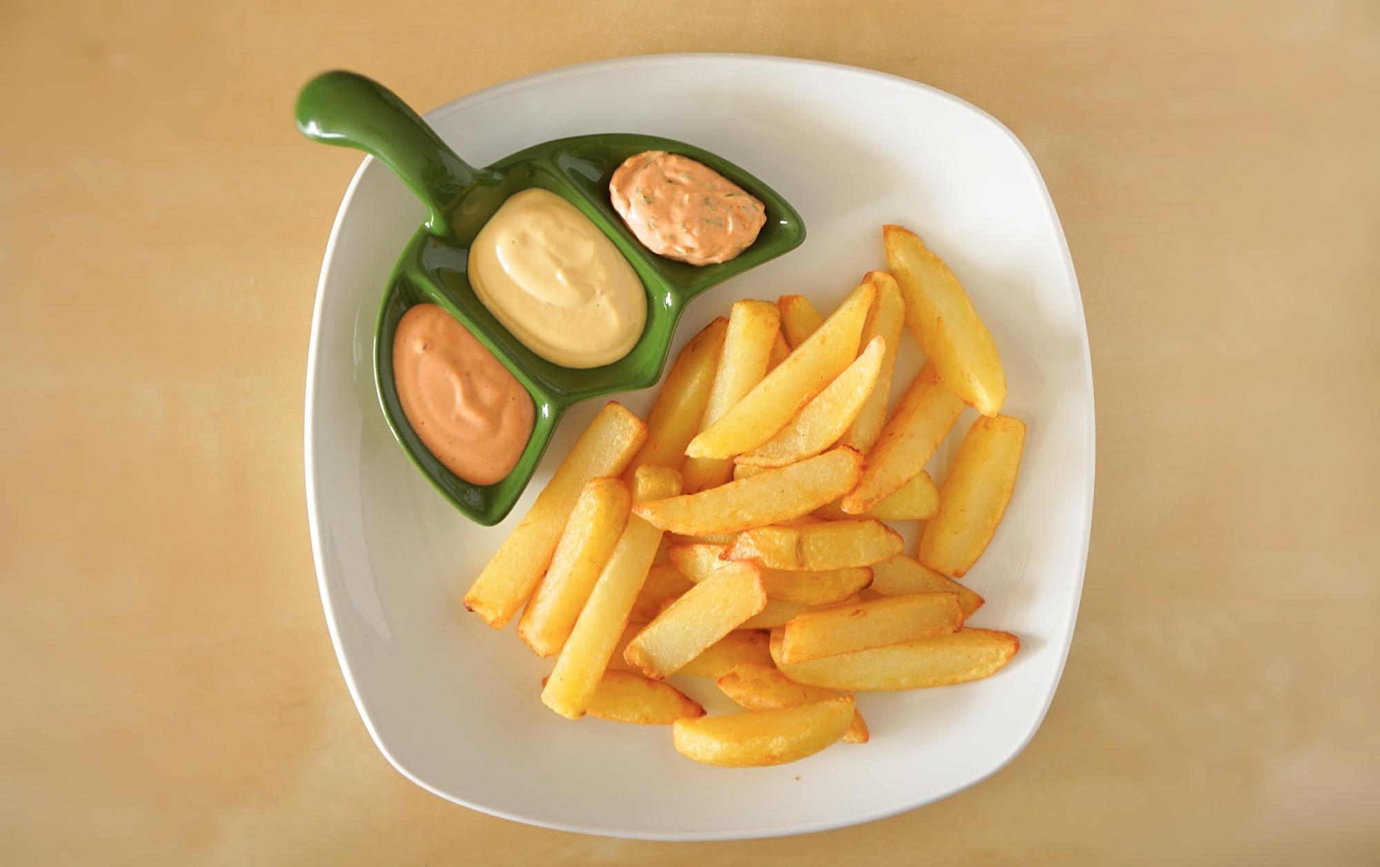Frytki belgijskie z sosami przepis jak zrobić