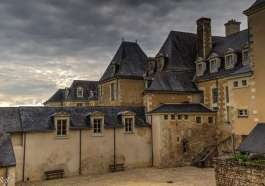 Baugé en Anjou le Prieuré et son Apothicairerie