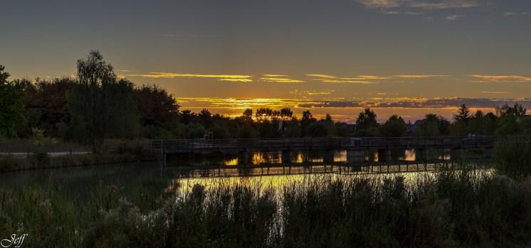 Coucher de soleil sur Saint Sylvain d'Anjou (Maine et Loire)11