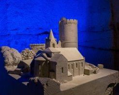 Pierre et lumière-Chapelle et tour de Treves (1)