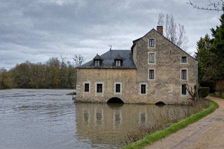 Seiches sur le Loir Matheflon