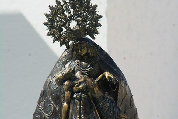 Detalles estatua Pza Ntra Sra de las Angustias Coronada