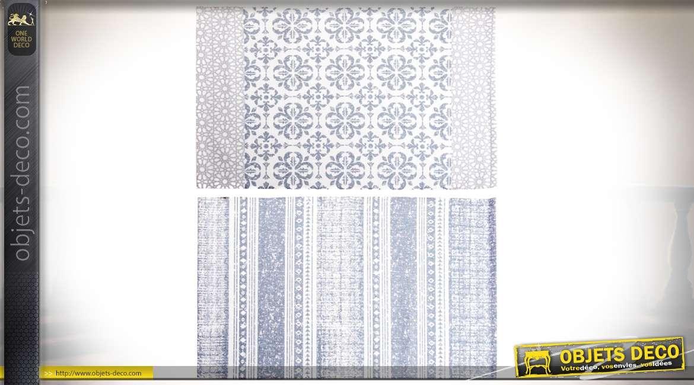 duo de tapis descentes de lit en coton coloris bleu pale a motifs et frises ethniques