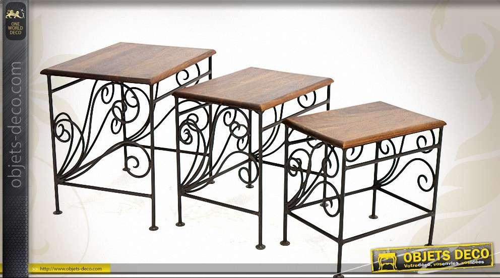 trois tables gigognes en fer forge et bois de palissandre