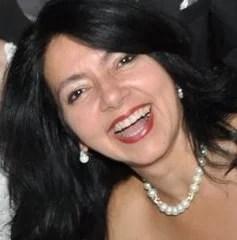 Rosângela Vig é Artista Plástica e Professora de História da Arte.