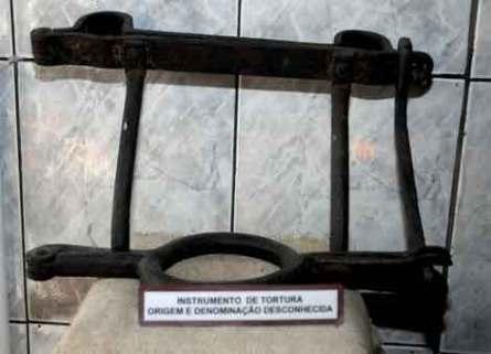 Rio de Janeiro (RJ) - Instrumento usado para castigar os escravos, exposto no Museu da igreja Nossa Senhora do Rosário dos Homens Pretos, uma lembrança nos 120 anos do fim da escravidão (Foto: Valter Campanato/ABr)