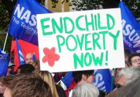 Pobreza infantil atinge 2 milhões de crianças no Reino Unido