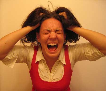Crianças podem absorver o stress dos pais e ter dificuldades na escola