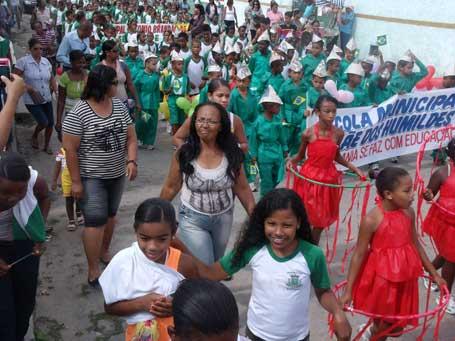 Foto 4 - passeata da Escola Municipal Mãe dos Humildes, ECA