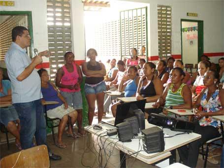 Foto 2: lançamento do projeto educação e segurança em Humildes