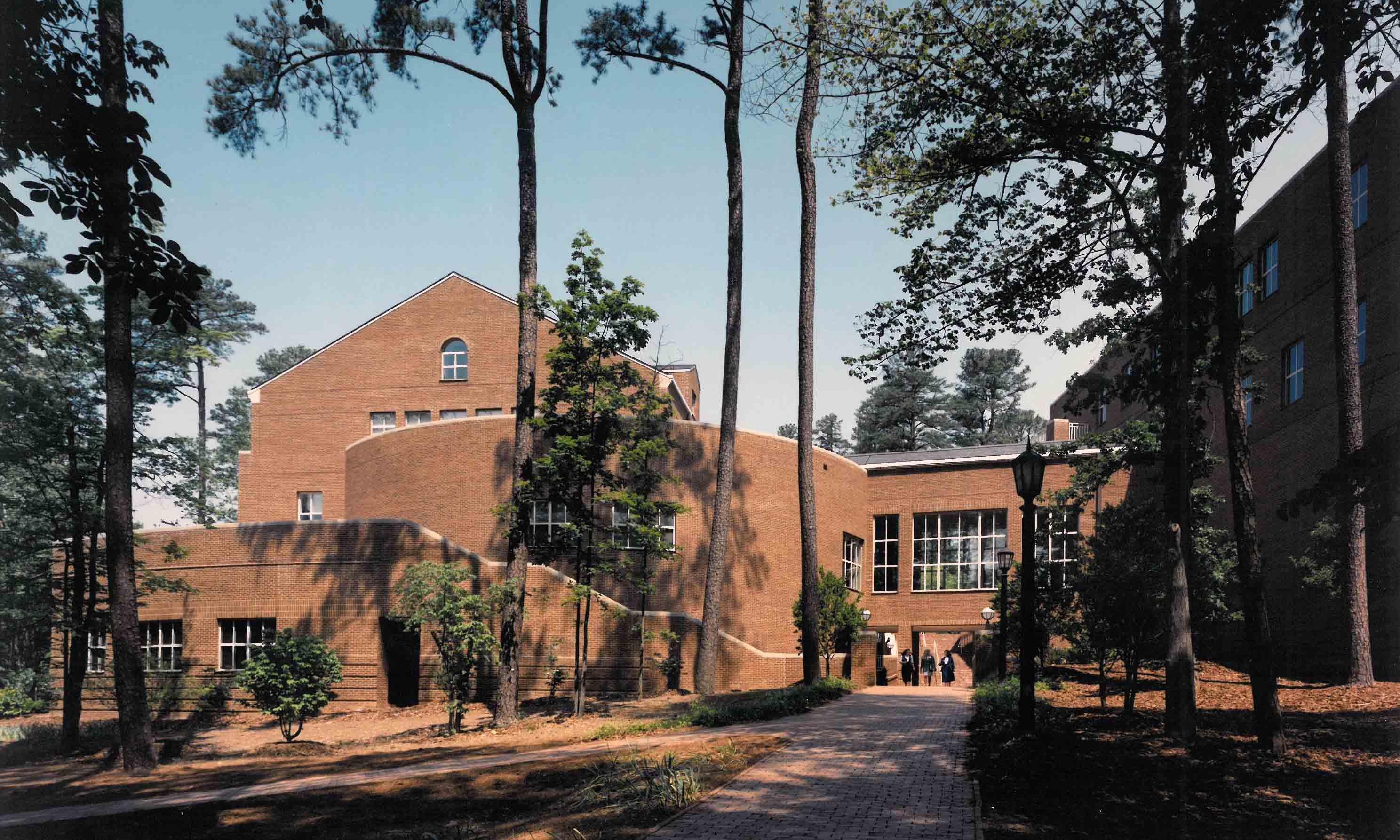 Unc Chapel Hill George Watts Hill Alumni Center