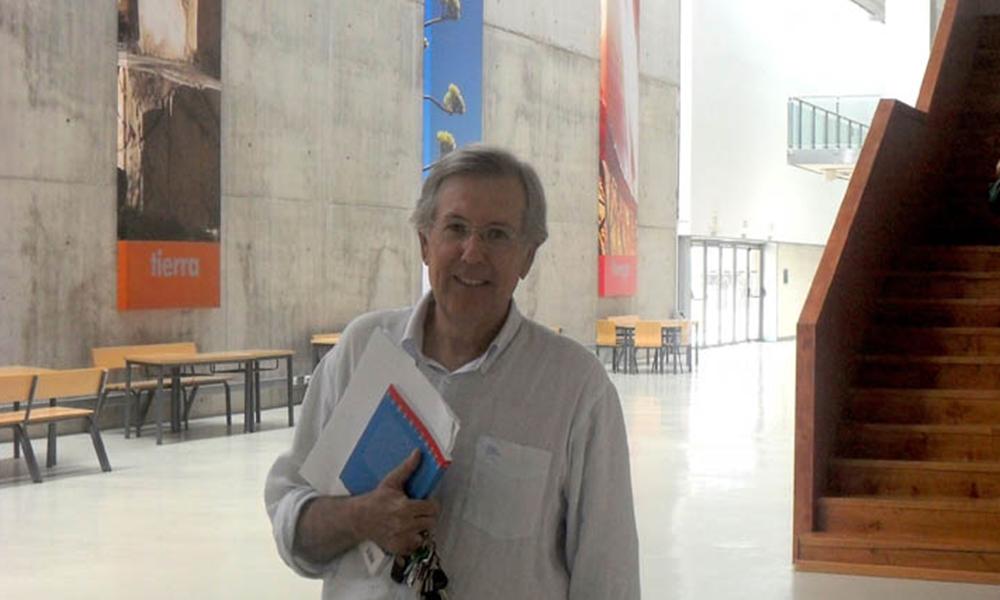 Luis Cortés, catedrático de la Universidad de Almería, habla sobre la carabuena y mala del lenguaje