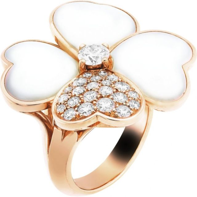 VCARO5RB00_Cosmos large model ring pink gold white mother of pearl diamonds diamond center_554689