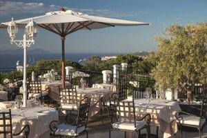 Villa-Belrose_Restaurant-gastronomique_Terrasse_lamodecnous.com-la-mode-c-nous_livelamodecnous.com_live-la-mode-c-nous_lmcn_livelamodecnous