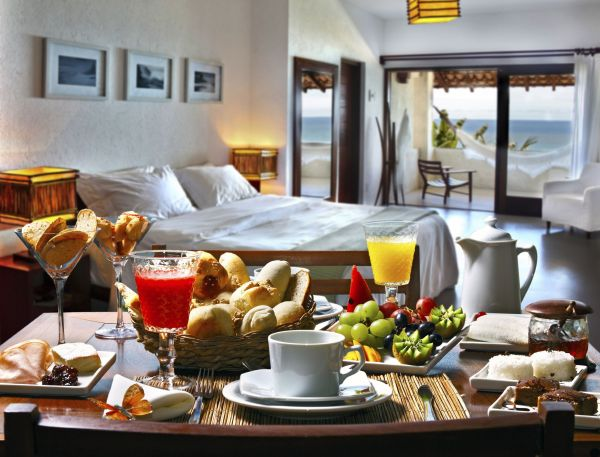 bed-and-breakfast__lamodecnous.com-la-mode-c-nous_livelamodecnous.com_live-la-mode-c-nous_lmcn_livelamodecnous