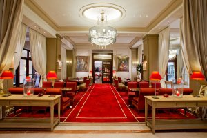 california paris-lobby_obsession-luxe_plaisir-de-la-vie_2